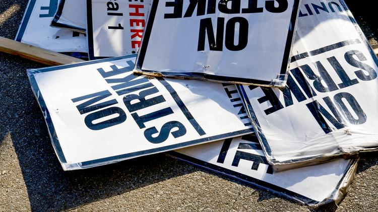 Federal court deals a blow to 'right-to-work' laws in Kentucky