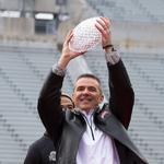 Ohio State gives <strong>Urban</strong> <strong>Meyer</strong> big raise, contract extension