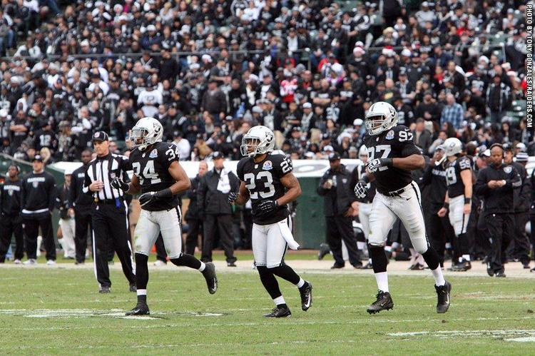 An Oakland Raiders cheerleader has filed suit against the team.