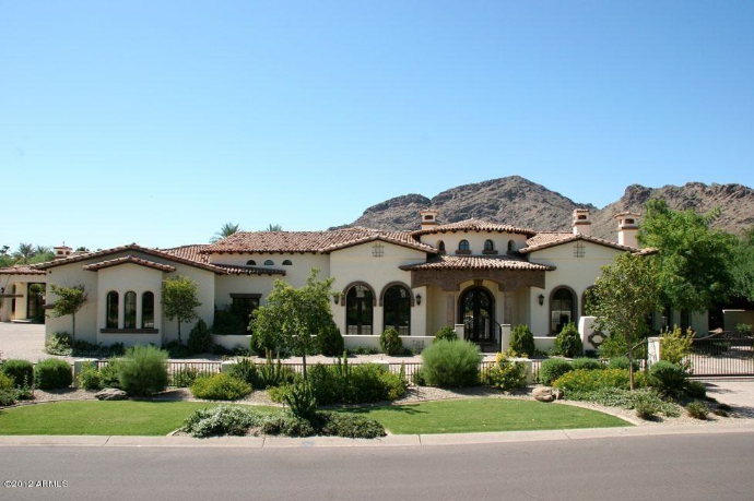 The Paradise Valley estate sold for more than $3.4 million.