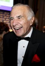 <strong>Carl</strong> <strong>Icahn</strong> to Apple: Share the wealth!
