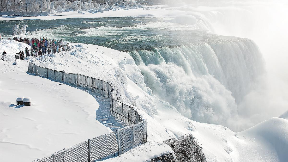 winter weather helps hotels in niagara falls  hurts in