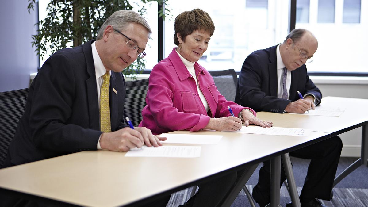 major cincinnati employers sign on to innovative career readiness major cincinnati employers sign on to innovative career readiness program cincinnati business courier