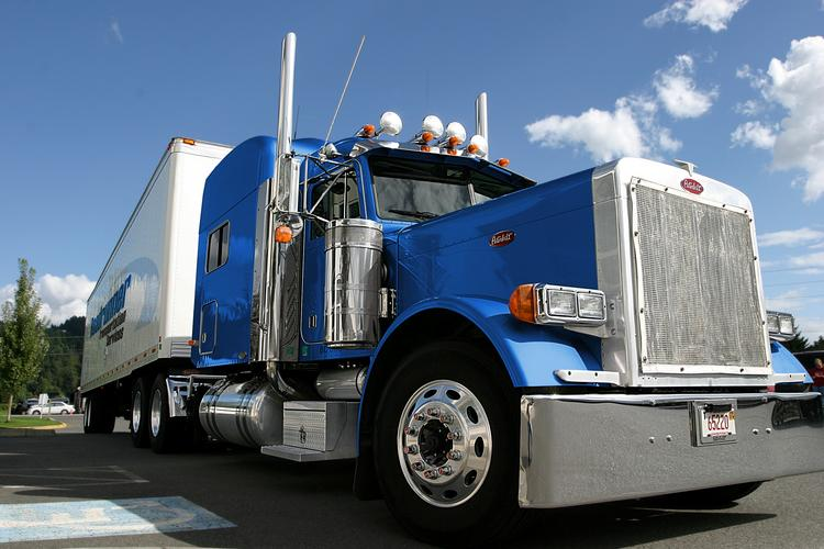 Roadrunner Transportation announced its second public stock offering in the past eight months.
