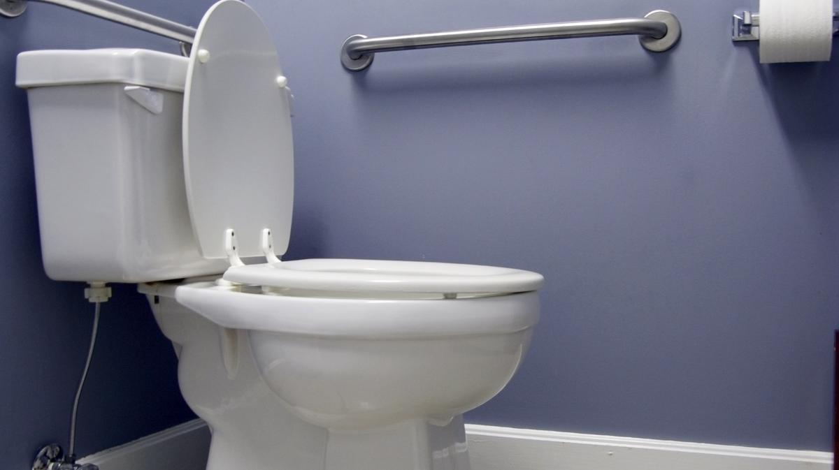 State tightens rules on low-flow toilets, faucets - Sacramento ...