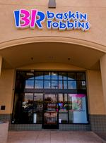 Deep discounts offered to Baskin-Robbins franchisees to spur an expansion