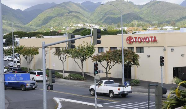 Servco Auto Honolulu reportedly settled on a long-term lease with Select Income about a year ago for its property in Mapunapuna. Tenants are reporting different results in renegotiating leases with Hawaii's largest industrial landowner.