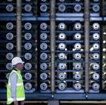 Texas lawmakers <strong>wade</strong> in cautiously with desalination bills