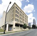 Polk building back in play for apartments