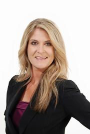 Carrie Powledge has been promoted to director of leasing at Rosemont Realty.