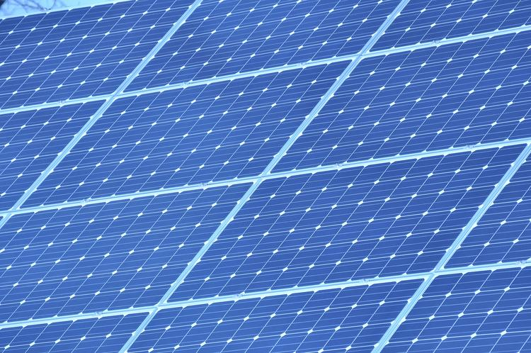 A proposed solar power plant in Yolo County has been thrown back into the shade for now, metaphorically speaking, after county supervisors voted earlier this week to vacate a permit issued for it two years ago over conflicts with the county's zoning code.