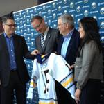 Sabres' GM Murray: 'Bylsma has what I don't - a Stanley Cup'