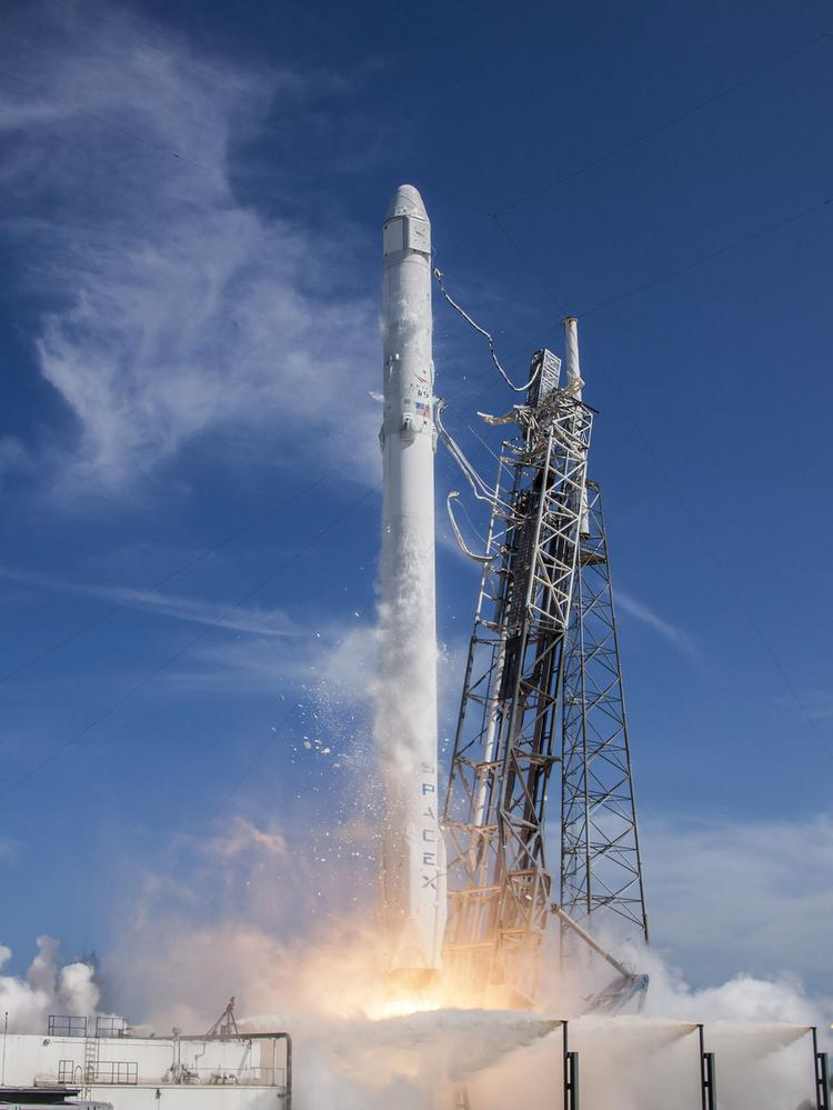 Redmond to be tracking center for SpaceX internet-beaming ...