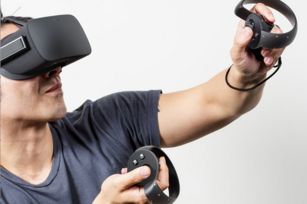 Newest Oculus Rift to come with tracked hand controllers