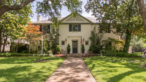 Live Among the French Streets in Highland Park