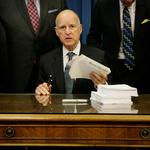 Gov. signs bill to allow small-biz owners to keep existing health coverage through 2015