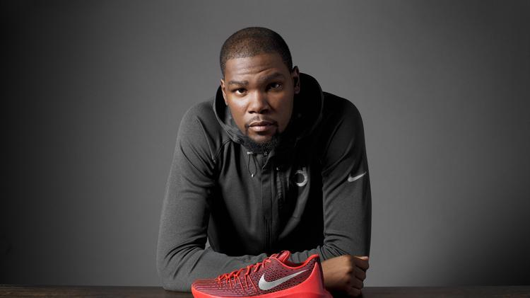 new york dbe10 8e14a Kevin Durant s eighth Nike signature shoe features Flyweave, a  high-strength woven textile that