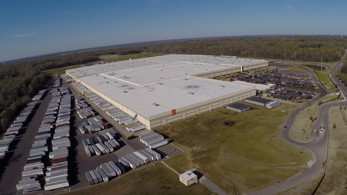 check out a64bc 211cc Inside Nike s new  300M distribution center (Video)