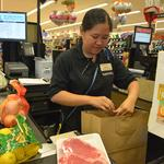 Oahu retailers adjust to new plastic bag ban by offering alternatives, incentives: Slideshow