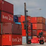 Strong exports growth narrows U.S. trade deficit