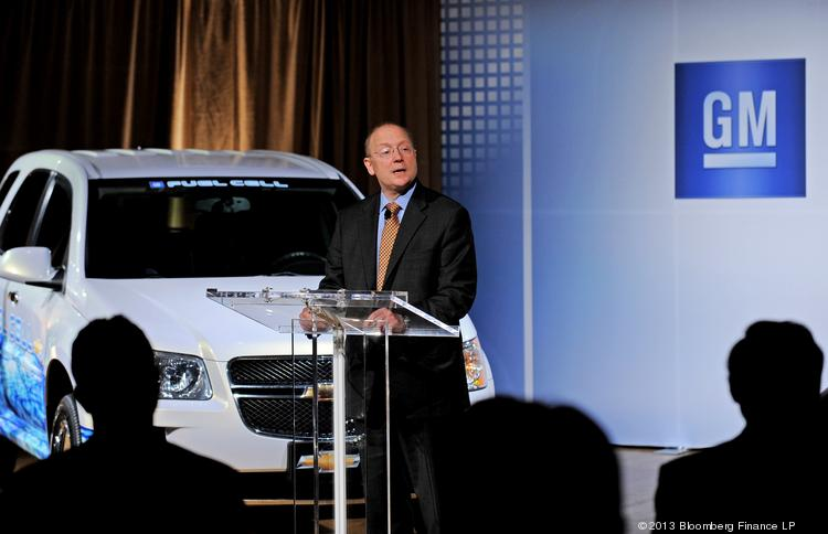 Steven Girsky, vice chairman of General Motors Co., speaks during a press conference in New York on Tuesday. GM and Honda Motor Co. are partnering in a renewed push to get clean vehicles to market with the two automotive giants seeking to have cheaper power-making fuel cells and hydrogen tanks ready by 2020.