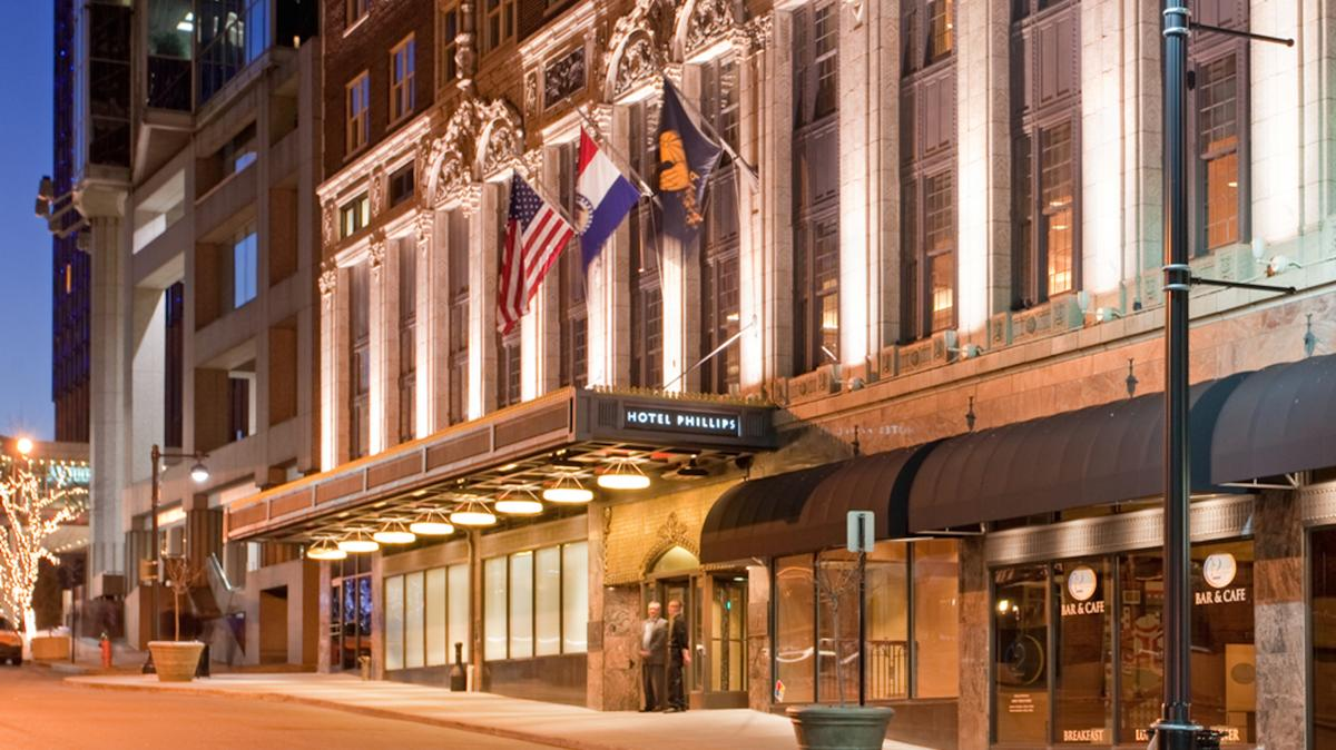 A Taste Of Chicago Will Come To Historic Kc Hotel Kansas City Business Journal