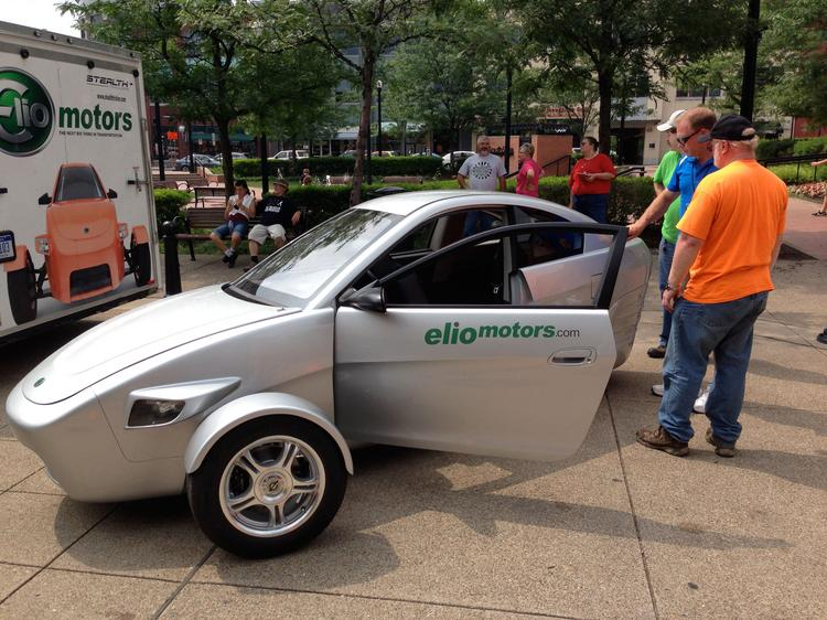 Elio Brings 3 Wheel 84 Mpg Car To South Side Video Pittsburgh Business Times