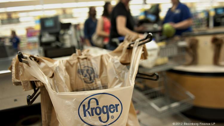 A new ordinance that will require shoppers to pay 5 cents per single-use bag is expected to take effect Jan. 1. Photographer: Daniel Acker/Bloomberg