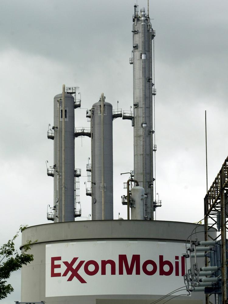 Exxon Mobil is being allowed to restart the leg of the Pegasus pipeline in Texas. Photographer: Mike Fuentes/Bloomberg News