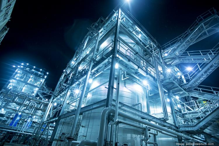 CB&I has won a contract to construct a new ethane cracker along the Gulf Coast.