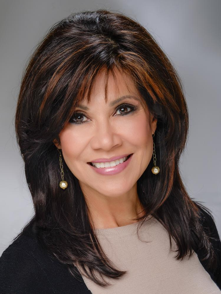Former 12 News anchor Lin Sue Cooney joins Hospice of the