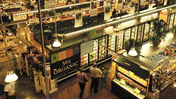 Whole Foods Market is looking for a spot to peddle its organic goods and hot bar offerings in Jacksonville Beach, according to real estate sources.