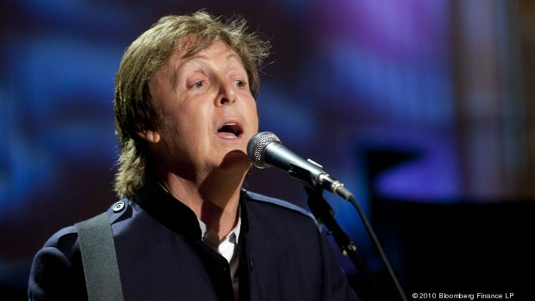Former Beatle Paul McCartney Performs Michelle In The East Room Of White House