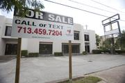 From Hillcroft to Post Oak Boulevard on Richmond, there are 30 For Lease signs and four For Sale signs visible.