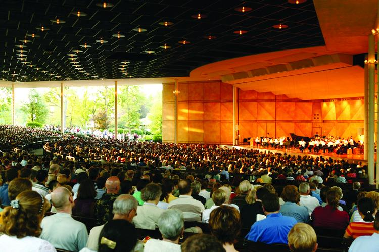 The Chicago Symphony Orchestra has inked a new five-year deal with the Ravinia Festival.