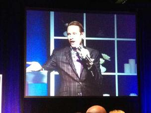 Carson Kressley addresses the audience at the Meeting Professionals International luncheon.