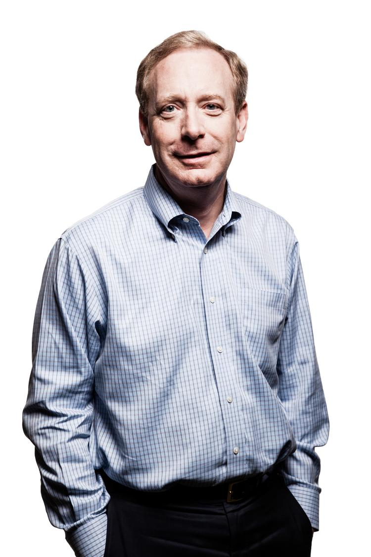 Microsoft General Counsel and Executive Vice President of Legal and Corporate Affairs Brad Smith challenged the Attorney General to force government lawyers to allow Microsoft to tell the public what information it has handed over as a result of court orders and warrants.
