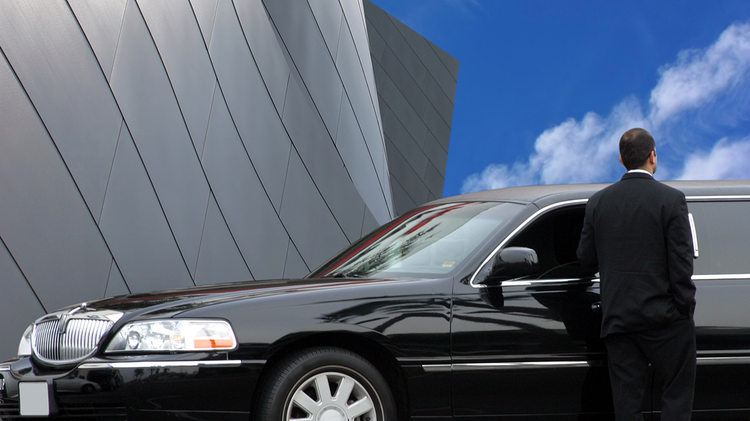 Uber wants to expand its town car service to Portland, but existing laws make it, well, not possible.