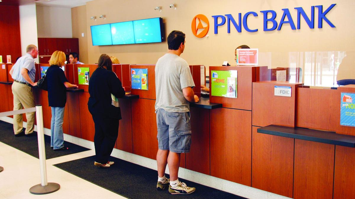 PNC Financial Services Group cutting 100 branches this year