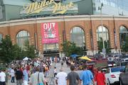 Crowds surround Miller Park before the concert.
