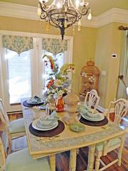 Locust Creek House 1: Dining area