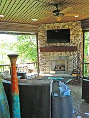 Locust Creek No. 7: Outdoor living area