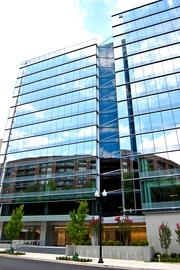 Lowe Enterprises redeveloped 1411 Jefferson Davis Highway in Crystal City, which it rebranded as 1400 Crystal Drive. It signed its first tenant, the Decisive Anallystics Corp., to space in the building over the summer.