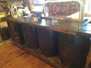 The bar in the tasting room at Arsenal Cider House.