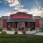 Red Robin boosts revenues with bigger checks, despite fewer guests