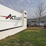 Longtime Actuant leaders Arzbaecher, Lampereur leaving company