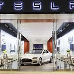 Tesla will unveil a more visible Boston store in the coming months