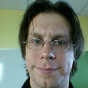 Yonatan ZungerProfile It's sort of cheating to post people who work at Google, so I'll just name my favorite Googler to follow, Chief Architect Yonatan Zunger. He mostly posts stories and insights about science and technology, and his feed is always thought-provoking.