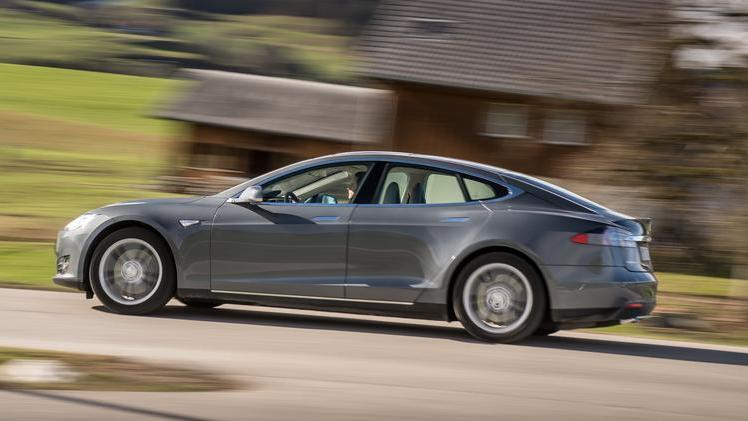 Tesla now offers a two-year lease - Silicon Valley Business