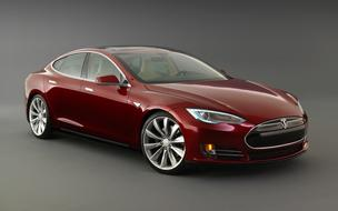 The Tesla Model S costs from $52,400 (with 40 kWh battery) to $72,400 (with 85 kWh battery). That is after a $7,500 federal tax credit.
